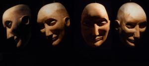 Têtes sculptées de Bob Morse